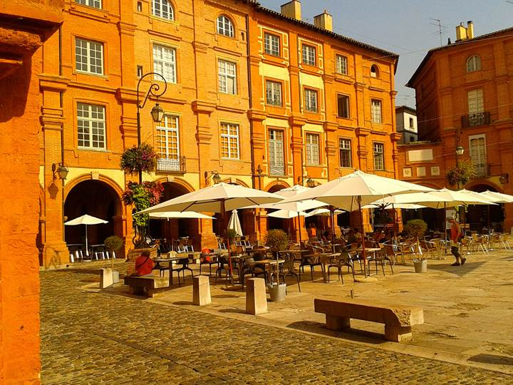 Montauban, la place Nationale